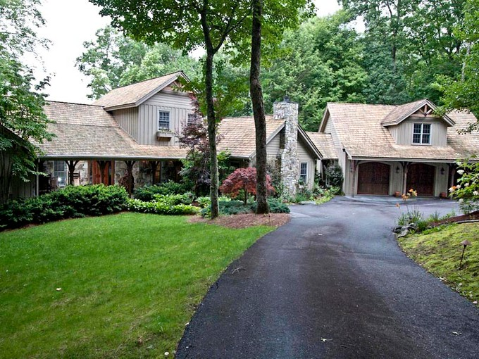 Moradia for sales at 350 Crescent Trail   Highlands, Carolina Do Norte 28741 Estados Unidos
