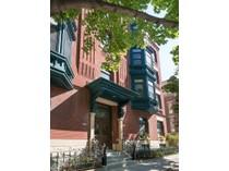 Кооперативная квартира for sales at Beautiful Vintage Condo 122 W Delaware Place #2W   Chicago, Иллинойс 60610 Соединенные Штаты