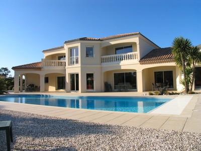 Villa for sales at Gujan Mestras, 350 sq.m Villa  Other Aquitaine, Aquitania 33470 Francia
