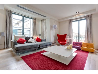 Appartamento for sales at Modern and spacious apartment on the Paseo de Gracia  Barcelona City, Barcelona 08007 Spain