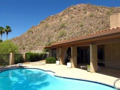 Villa for sales at Wonderful 4 Bedroom 3 Bath Home in Beautiful Guard Gated Lincoln Hills 3500 E Lincoln Drive Phoenix, Arizona 85018 Stati Uniti