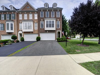 Townhouse for sales at 19120 Eagle Mine Terrace, Leesburg  Leesburg, Virginia 20176 United States