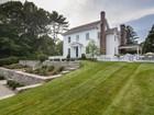 단독 가정 주택 for sales at Village Landmark Colonial Circa 1880 1 Spinnaker Lane Essex, 코네티컷 06426 미국