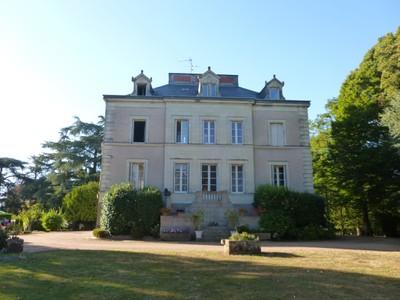 Частный односемейный дом for sales at JOLIE PROPRIETE SUR 13 ha, entièrement clôturée  Other Pays De La Loire, Луара 49450 Франция