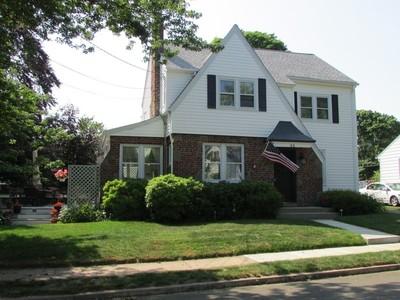 Maison unifamiliale for sales at 32 Morris Street   West Haven, Connecticut 06516 États-Unis