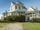 Moradia for  sales at Oceanfront Victorian 25 Nubble Road York, Maine 03909 Estados Unidos