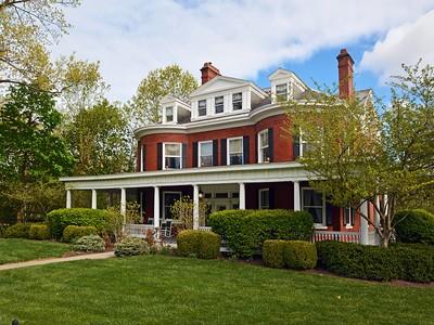 Villa for sales at Timeless Elegance 1870 Madison Road Cincinnati, Ohio 45206 Stati Uniti