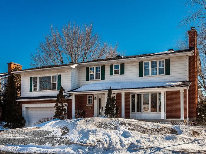 Villa for sales at Saint-Lambert 424 Boul. Queen   Saint-Lambert, Quebec J4R1J2 Canada