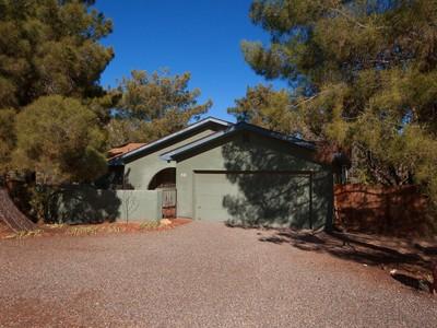 Частный односемейный дом for sales at Comfortable Sedona Home 452 Juniper Drive Sedona, Аризона 86336 Соединенные Штаты