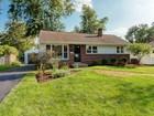 Casa Unifamiliar for sales at 2437 Woodstock Road    Upper Arlington, Ohio 43221 Estados Unidos
