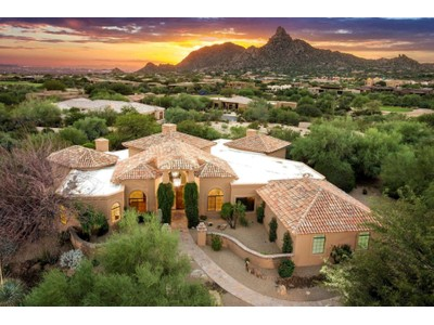 Vivienda unifamiliar for sales at Exclusive Guard Gated Troon Country Club Community Of Windy Walk Estates 26400 N 107th Way  Scottsdale, Arizona 85255 Estados Unidos