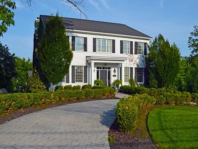 Villa for sales at Glendale getaway 1087 Morse Cincinnati, Ohio 45246 Stati Uniti
