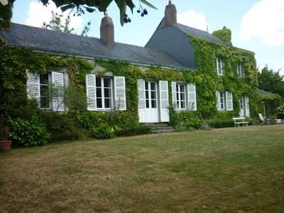 Частный односемейный дом for sales at TRES JOLIE MAISON ANCIENNE DE CARACTERE, DANS UN SUPERBE ECRIN DE VERDURE  Other Pays De La Loire, Луара 44800 Франция