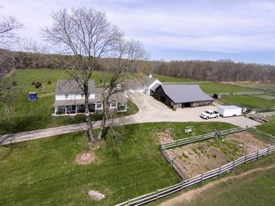 Maison unifamiliale for sales at Restored Circa 1700 Farmhouse 10 Foxtown Road East Haddam, Connecticut 06423 États-Unis