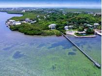 Casa para uma família for sales at Ultimate Privacy in Oceanfront Living 24 Ocean Avenue   Tavernier, Florida 33070 Estados Unidos