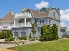 Casa Unifamiliar for  sales at Stunning Beach House 12 Union Ave Spring Lake, Nueva Jersey 07762 Estados Unidos
