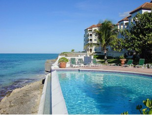 Condominio for sales at Caves Point, West Bay Street Caves Point, West Bay Street, Nueva Providencia / Nassau Bahamas