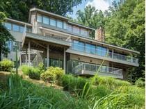 獨棟家庭住宅 for sales at 1139 Crest Lane, Mclean 1139 Crest Ln   McLean, 弗吉尼亞州 22101 美國