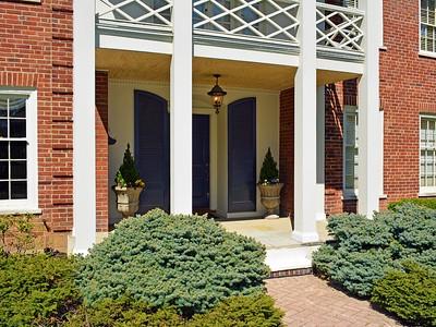 Villa for sales at Classic Hyde Park Colonial 24 Weebetook Lane Cincinnati, Ohio 45208 Stati Uniti