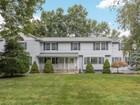 Einfamilienhaus for sales at Custom Colonial 279 White Oak Ridge Road Bridgewater, New Jersey 08807 Vereinigte Staaten