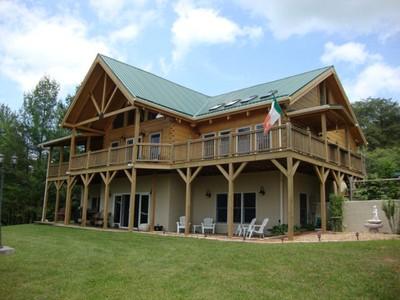 Casa para uma família for sales at Double Branch Lodge 101 Double BranchRoad Grassy Creek, Carolina Do Norte 28631 Estados Unidos