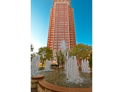 コンドミニアム for sales at Views of the Gateway Arch 150 Carondelet Plaza #2202 Clayton, ミズーリ 63105 アメリカ合衆国