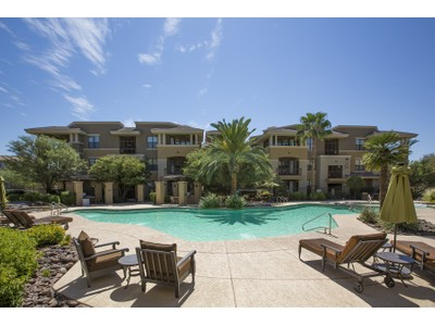 Condominio for sales at Urban Living At Its Finest in this Beautiful Upgraded Designer Condo 7601 E Indian Bend Rd #3018 Scottsdale, Arizona 85250 Stati Uniti