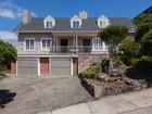 独户住宅 for  sales at Stunning Cape Cod 1028 Hollywood Avenue Oakland, 加利福尼亚州 94602 美国