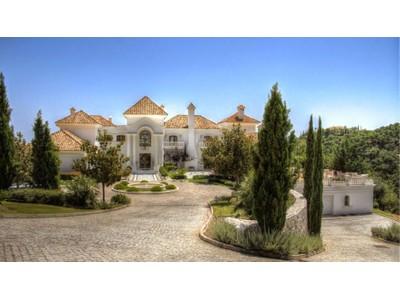 Maison unifamiliale for sales at Impressive, spacious, elegant, mansion in La Zagaleta   Benahavis, Andalousie 29679 Espagne