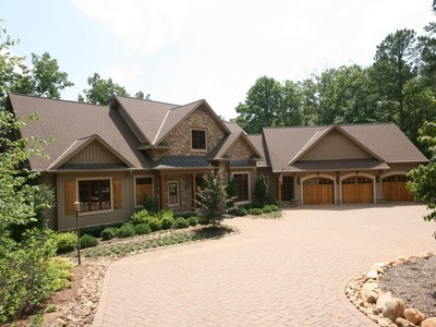 Single Family Home for sales at Perfect Balance for Relaxation or Entertaining 101 Mountain Shore Trail Six Mile, South Carolina 29682 United States