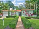 Maison unifamiliale for sales at 1225 Tangier Street  Coral Gables, Florida 33134 États-Unis