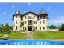 Villa for sales at Grand Mansion Like A Castle  Budenheim, Assia 55257 Germania