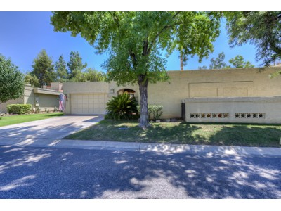 Einfamilienhaus for sales at Spacious Patio Home In McCormick Ranch 8153 E Del Caverna Drive  Scottsdale, Arizona 85258 Vereinigte Staaten