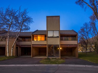 Stadthaus for sales at Rare Three Bedroom Townhome 1702 Captain Molly Dr #18 Park City, Utah 84060 Vereinigte Staaten