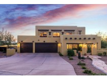 Einfamilienhaus for sales at Spectacular Panoramic City Lights & Mountain Views 3530 N Hawes Rd #3   Mesa, Arizona 85207 Vereinigte Staaten