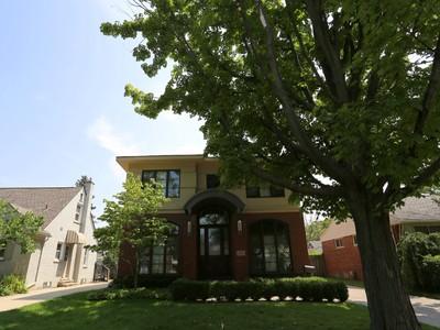 Maison unifamiliale for sales at Birmingham 1493 Maryland Boulevard Birmingham, Michigan 48009 États-Unis