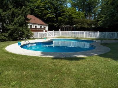 独户住宅 for sales at Cape Cod with Pool in Hartsdale 1 Keats Avenue Hartsdale, 纽约州 10530 美国