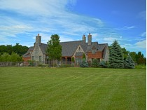 Einfamilienhaus for sales at Graywood - An Equestrian Masterpiece 667 County Route 403   Greenville, New York 12055 Vereinigte Staaten