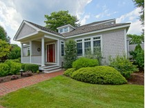 Maison de ville for sales at Casually Elegant with Beautiful Water Views 6 Campbell's Lane Unit 6   New Castle, New Hampshire 03854 États-Unis