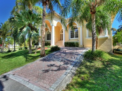 Moradia for sales at 30 E Sunrise Ave  Coral Gables, Florida 33133 Estados Unidos