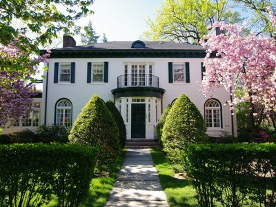Casa para uma família for sales at Move-in Ready 1920's Neoclassical Georgian in Fieldston 474 West 246 Street Riverdale, Nova York 10471 Estados Unidos