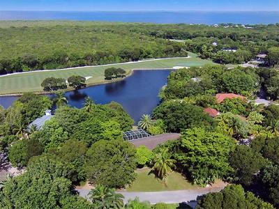 Villa for sales at Lake Front Home at Ocean Reef 23 Dilly Tree Park Key Largo, Florida 33037 Stati Uniti