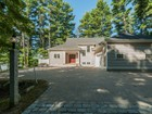 Villa for  sales at Newly Constructed Bungalow on the Piscataqua River 8 Wisteria Lane  Eliot, Maine 03903 Stati Uniti