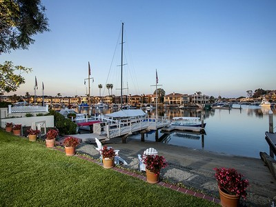 Maison unifamiliale for sales at 11 Harbor Island  Newport Beach, Californie 92660 États-Unis
