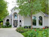 Maison unifamiliale for sales at 5968 Riverbend Place    Fort Worth, Texas 76112 États-Unis