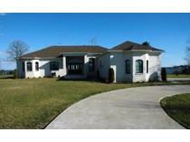 Maison unifamiliale for sales at 120 Kettle Bottom Drive, Colonial Beach    Colonial Beach, Virginia 22443 États-Unis