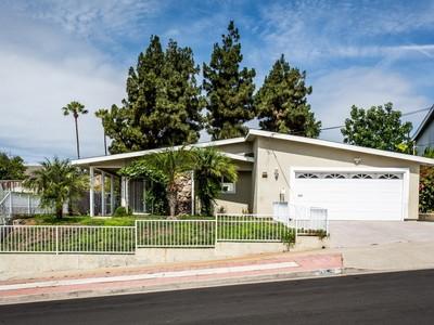 Casa Unifamiliar for sales at Dana Point 33361 Bremerton St  Dana Point, California 92629 Estados Unidos