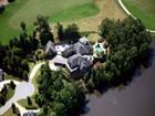 獨棟家庭住宅 for  sales at Entertainer's Dream 3010 Cypress Pond Pass Duluth, 喬治亞州 30097 美國
