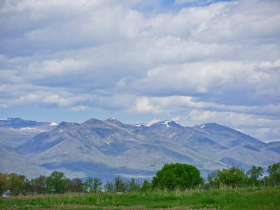 Đất đai for sales at 4.4 Irrigated acres with shop in Daniels. 2449 E Deer Meadow Ln  Heber City, Utah 84032 Hoa Kỳ