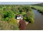 Einfamilienhaus for sales at Magna Carta Island 1 Magna Carta Lane Wraysbury Other England, England tw195af Vereinigtes Königreich